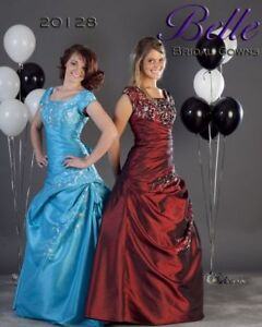 Never worn! Beautiful prom gown (size 18)