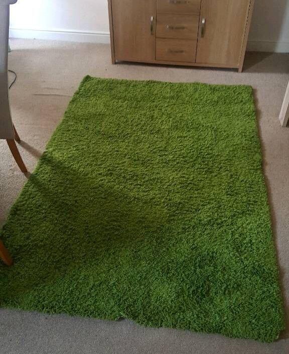 Green Rug Long Pile 135x195cm
