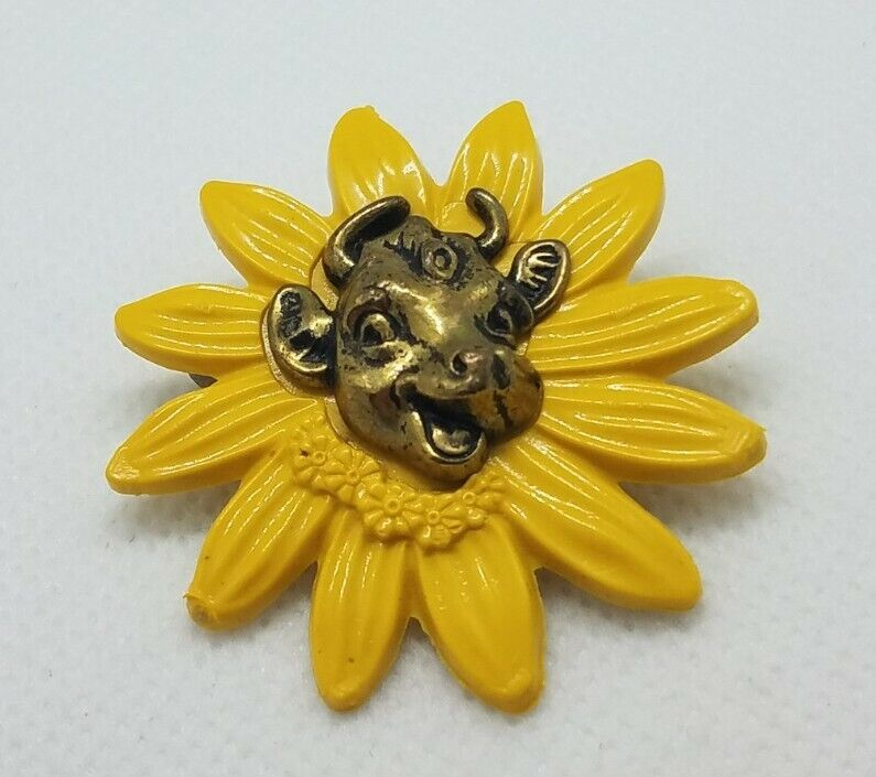 Vintage Cute Signed Borden Dairy Elsie the Cow Yellow Daisy Pin Brooch