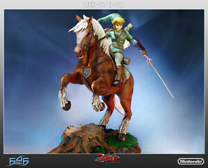 The-Legend-Of-Zelda-Zelda-Link-On-Epona-Statue