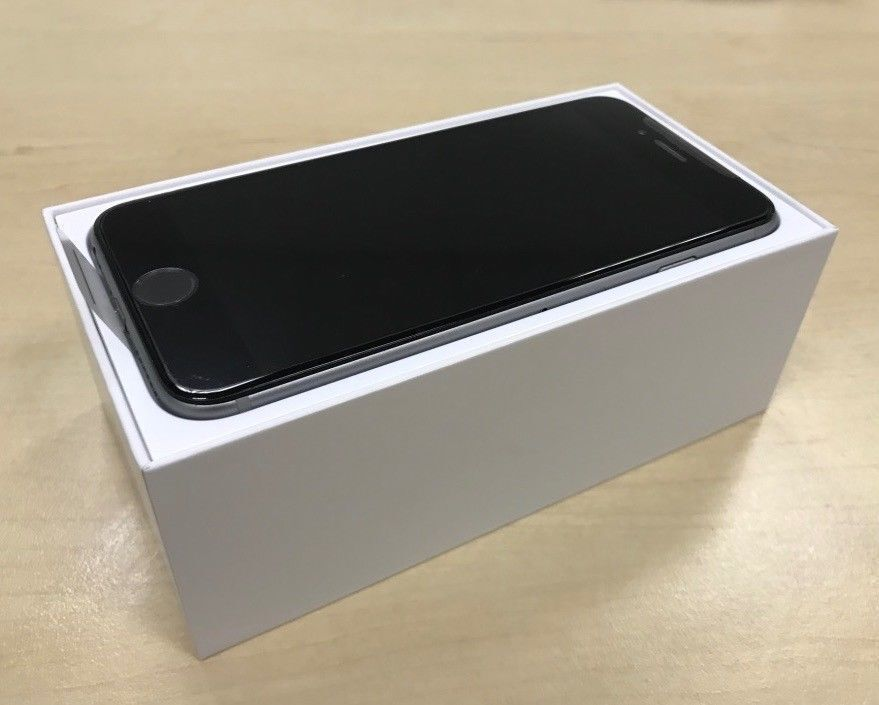 ***GRADE A *** Boxed Space Grey Apple iPhone 6 16GB Factory Unlocked Mobile Phone + Warranty