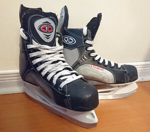 Easton hockey skates size 5 with blade covers