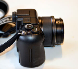 Olympus C-8080 DSLR camera for sale (barely used)