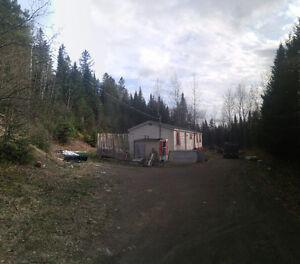VERY PRIVATE Mini Home on over an ACRE!