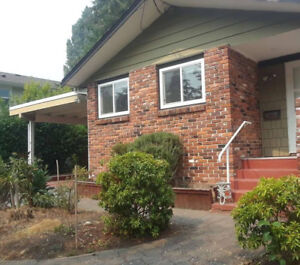 (Close to Uvic) 3 Bedrooms in Shared House Available for May 1st