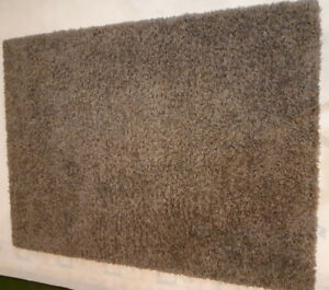 ***SHAG BROWN RUG - PERFECT CONDITION***