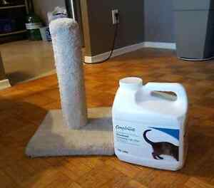Kitty litter and scratch post Cambridge Kitchener Area image 1