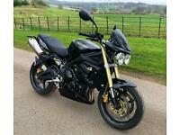 TRIUMPH STREET TRIPLE 675 - JUST 19,000 MILES FULL HISTORY - FITTED EXTRAS .