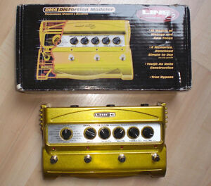 Line 6 distortion modeller. Dm4 with power supply