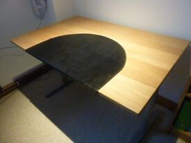 Ikea Galant desk 120x80cm with protective mat in very good condition