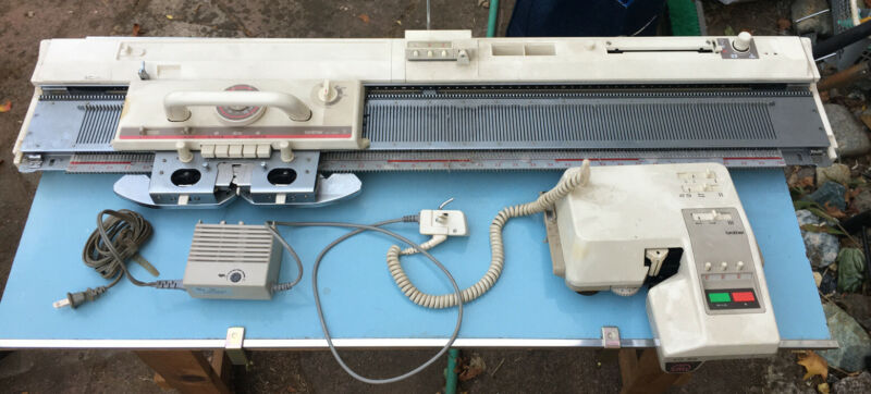 BROTHER KH-890 PUNCH CARD KNITTING MACHINE