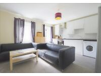 Fantastic 3 bedroom (HMO pending) furnished flat in Holyrood with Wi-Fi available NOW!