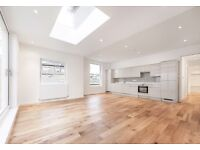 IMPECCABLE 3 BED 3 BATH WITH PRIVATE GARDEN.. WHAT ARE YOU WAITING FOR?