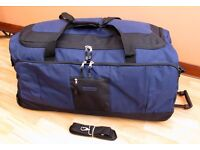 Luggage Holdall Extra Large With Wheels Never Used