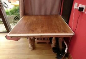 Extendable Shabby Chic Oak Table