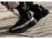 Mens adidas Yeezy 350 V2 trainers black & white size 8.5 UK
