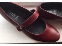ORTHOPEDIC STRAP COURT SHOES EEEE Wide FIT Size 41 (7.5) Cherry red coloured.