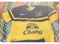 Everton top
