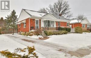15 MULOCK Avenue Hamilton, Ontario