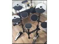 Roland electronic drum kit TD4KP, With Carry Case and Peddles