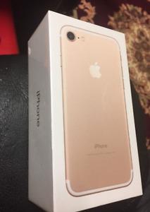Telus/Koodo MINT iPhone 7 32GB Gold + BOX + CASE + WARRANTY