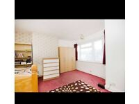 Double room for rent in Eastham to share in Indian Family Home
