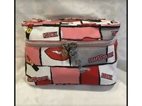 Brand new Soap & Glory Bag doesn't include Soap & Glory Items. Can post