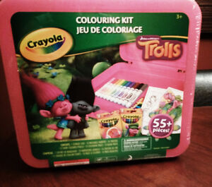 Brand new colouring kit - perfect gift !