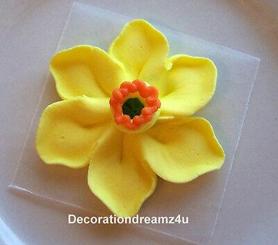 Daffodil Wedding Cake (10- 1 1/2