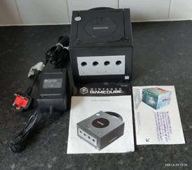 Nintendo gamecube console Black boxed with Mario kart and Super Mario