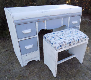 """Vintage 5 drawer """"Waterfall"""" vanity painted"""