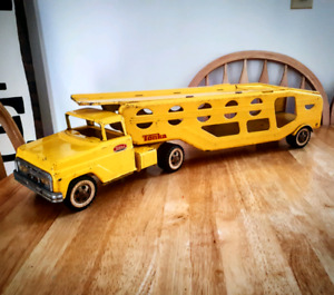 LOOKING TO BUY TOY TRUCKS!