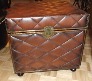 Coffre,Storage Chest,Side table West Island Greater Montréal image 1