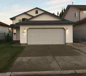 House for rent, Devon AB - Great Location