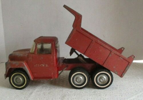 Vintage Ertl IH International Harvester Loadstar  Dump Truck