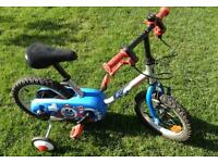 3/5 years old bike with training wheels and bar