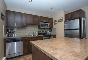#7-2358 Rae Street, Cathedral - Great location!
