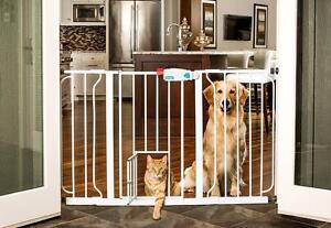 Carlson Pet Products 0930PW Extra Wide Walk-Thru Gate with Pet Door, White NEW