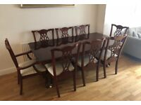 Mahogany extendable table and 8 chairs (6 plus 2 carvers)