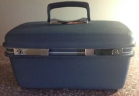Vintage blue Samsonite cosmetic case