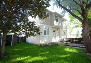 5A ClareviewBeautiful 3-Bedroom Townhouse! FREE RENT