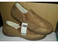 BNWB Mens Slippers size 12