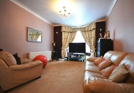 **LOVELY 4 BED HOUSE TO RENT. SHARERS AND FAMILIES WELCOME**