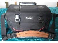 CAMERA/CAMCORDER BAG. HAMA MAKE, LOTS OF POCKETS