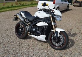 Triumph Speed Triple 2014 64 plate