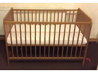 Baby cot bed in excellent condition with mattress