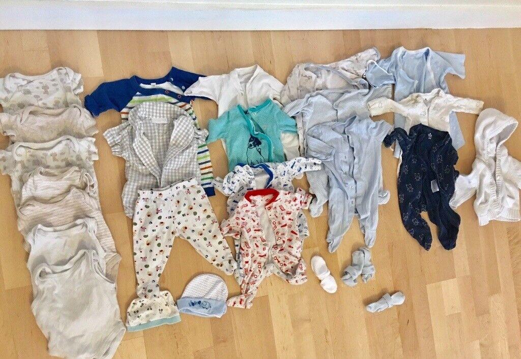 63915a3f9 Newborn 0-3 baby clothes bundle 60+items