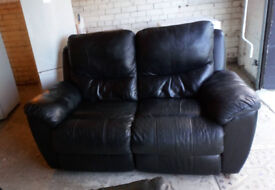 BLACK LEATHER 2 SEATER SOFA AND 2 MATCHING CHAIRS ALL RECLINING VIEWING WELCOME £69.99