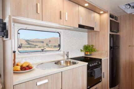 Jayco Starcraft Outback 19.61-3 Sleeps 5 Hire $120 Day