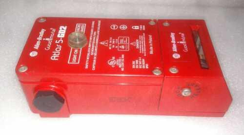 Allen-bradley Guard Master Atlas 5-gd2 Guard Locking Switch 440g-l07264 Ser C